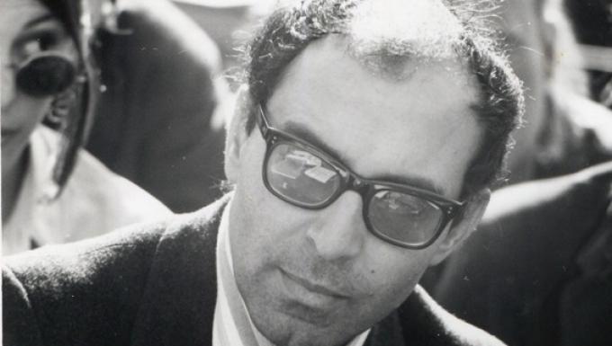 portrait en noir et blanc de Jean-Luc Godard en 1968