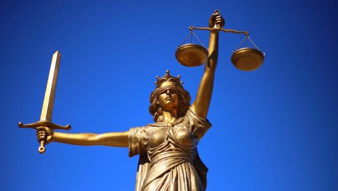 Statue représentant la justice.
