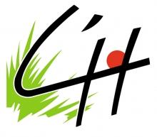 """Logo de la ville représentation en fonds une touffe d'herbe, un """"soleil"""" rouge et en premier-plan les lettres """"L'H"""" de couleur noire"""