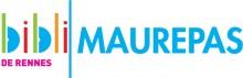 """Logo de la bibliothèque composé du diminutif """"bibli"""" en couleurs, d'un trait vertical vert et du mot """"Maurepas"""" en bleu à la suite. Sous """"bibli"""" est écrit """"de Rennes"""" en rose"""