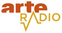 Logo Arte Radio : lettres stylisées de couelur jaune et orange sur fond blanc.