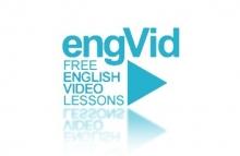 Logo EngVid : lettres bleues ciel sur fond blanc