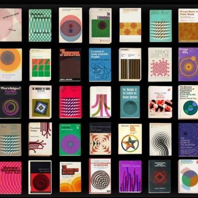 Un monatge de couvetures d'ouvrages scientifiques anciens.