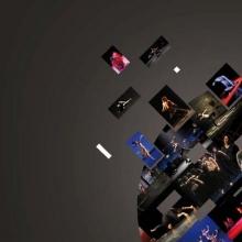 Sphère constituée d'un montage de visuels extraits de vidéos de spectacles